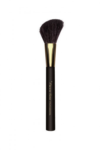 Angled Blush Brush No. 105